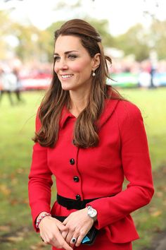 Kate Middleton Photos Photos - Catherine, Duchess of Cambridge during visit to…