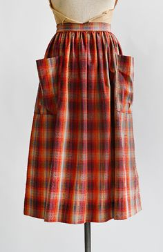 Cinnamon Pinch Skirt   vintage 1950s red plaid patch pocket skirt  #1950s #plaidskirt #vintageskirt