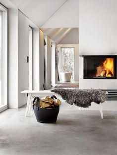 15 impeccable examples of sophisticated interiors with concrete floors - Heike Vogelsang - 15 impeccable examples of sophisticated interiors with concrete floors Scandinavian interior with concrete floor. Torkelson via Femina - Swedish Decor, Swedish Style, Concrete Interiors, Rustic Interiors, Beton Design, Interior Architecture, Interior Design, Interior Decorating, Decorating Ideas