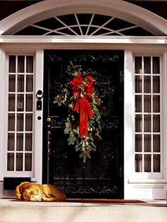 1000 images about christmas decorations on pinterest - Decoration montee d escalier ...