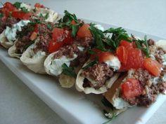 Whats Cookin, Chicago?: Bobbys Burger Bunday: Greek Burger