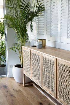 Start using these interior decor tips to enhance your house and give it new life. Home redecorating is entertaining and will transform your house into a home whenever you understand how to do it right. Beach House Decor, Diy Home Decor, Room Decor, Beach Houses, Cane Furniture, Cheap Furniture, Outdoor Furniture, Wooden Furniture, Antique Furniture
