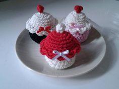 Capcake de croche , ideal para lembrancinhas para casamento, cha de panela  Pode ser feito como chaveiro tb. Varias opções de cores. R$ 5,00
