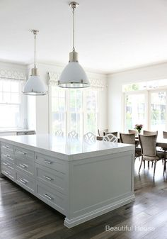 New Kitchen Island Bench Hampton Style 43 Ideas Farmhouse Style Kitchen, Modern Farmhouse Kitchens, New Kitchen, Home Kitchens, Kitchen Decor, Kitchen White, Dream Kitchens, Kitchen Layout, Rustic Kitchen