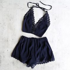 del carmen two piece set - navy from shophearts. Shop more products from shophearts on Wanelo. Spring Summer Fashion, Spring Outfits, Outfit Summer, Jugend Mode Outfits, Mein Style, Two Piece Outfit, Look Chic, Fashion Outfits, Womens Fashion