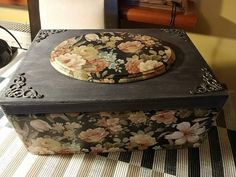 Decoupage Tutorial, Decoupage Box, Decoupage Vintage, Iron Orchid Designs, Cardboard Paper, Altered Boxes, Jewellery Boxes, Diy Wall Art, Vintage Wood