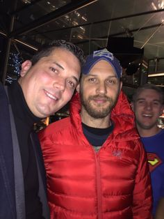 fan pic di ieri 07/12/2016 ICAP Charity Day https://twitter.com/Michaeljfitch/status/806853128473690112 #tomhardy #charityday