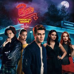 Netflix: That's why Riverdale could soon be out of sight. Netflix: That's why Riverdale Series, Riverdale Netflix, Riverdale Poster, Bughead Riverdale, The Cw, Christopher Nolan, Martin Scorsese, Stanley Kubrick, Riverdale Wallpaper Iphone