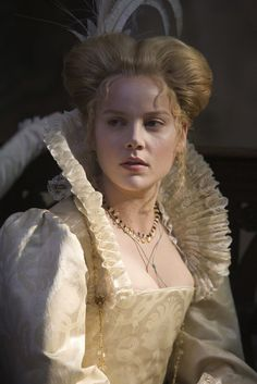 Abbie Cornish as Elizabeth Bess Throckmorton in Elizabeth: The Golden Age (2007).