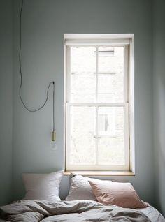 Une chambre où la simplicité règne