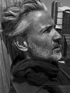 Hair men old silver foxes Ideas Older Mens Hairstyles, Haircuts For Men, Trendy Hairstyles, Silver Foxes Men, Old Man Fashion, Fashion Ideas, Hair And Beard Styles, Hair Styles, Grey Hair Men