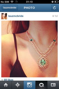 Missguided emerald necklace