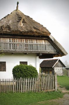 Szentendre - Szabadtéri Néprajzi Múzeum - House from Rédics by Kotomi_, via… Budapest, Beautiful Buildings, Beautiful Homes, Hungary Travel, Rural House, Heart Of Europe, Vernacular Architecture, Cottage Interiors, Traditional House