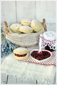 Dulce de Leche: Raspberry jam and lavender scones includes a recipe for raspberry lavendar jam and traditional scones from Slovakia.