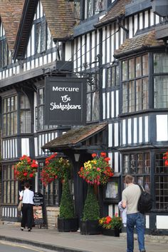 Stratford upon Avon, Warwickshire, I've been here and would love to go back! Beautiful town.