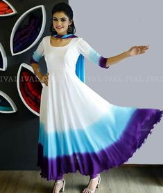 New vintage style outfits classy patterns Ideas Long Dress Design, Dress Neck Designs, Stylish Dress Designs, Bridal Blouse Designs, Designs For Dresses, Stylish Dresses, Indian Gowns Dresses, Indian Fashion Dresses, Dress Indian Style