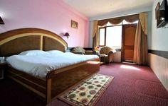 Hotel Snowpark Honeymoon Room4. For more about hotel visit @ www.indiavisitonline.in/package/kullu-manali-honeymoon