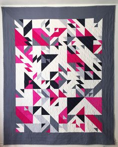 Elizabeth (Libs) Elliott - PCB Commission - Queen Size quilt - caragh loves but with purples Quilting Projects, Quilting Designs, Textiles, Black And White Quilts, Geometric Quilt, Striped Quilt, Queen Size Quilt, Quilt Modernen, Art Textile