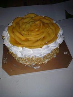 Mango cake Yummy Recipes, Cake Recipes, Yummy Food, Brain Cake, Mango Cake, Baking Ideas, Porn, Sweets, Cakes