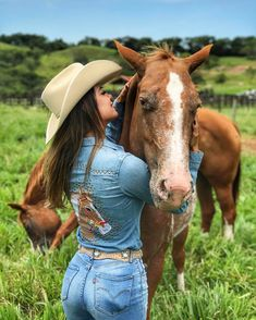 Cute Cowgirl Outfits, Cowgirl Jeans, Rodeo Outfits, Sexy Cowgirl, Cowboy And Cowgirl, Cowgirl Style, Cow Girl Outfits, Hot Country Girls, Country Girls Outfits
