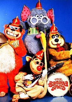 Listen to music from The Banana Splits like Tra La La, Go Bananas & more. Find the latest tracks, albums, and images from The Banana Splits. The Banana Splits, Banana Splits Cartoon, Cartoon Banana, Hanna Barbera, Silly Pictures, Saturday Morning Cartoons, Saturday Night, Kids Tv Shows, Old Shows