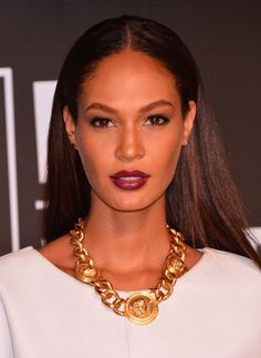 Joan Smalls just doing her thing at the VMAs