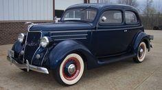 1936 Ford Deluxe Tudor Touring Sedan