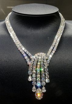 Her Jewels For The Evening- Harry-Winston Collier-Diamants-Water-Biennale-des-Deluxe- ~LadyLuxury~