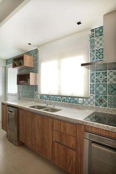 26408 Cozinhas Pequenas decorada-com-azulejo-desenhado-verde