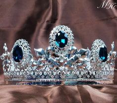 #wedding #tiara #RennaisanceFaire #Headdress #HandmadeHeadband #Crystals #Beads #Pink #Floral #hair piece #crown #costume #menscrown #cosplaycostume #cosplay #kingscrown