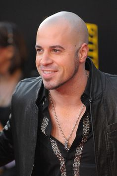 Chris Daughtry Photos Photos - Musician Chris Daughtry arrives at the 2009 American Music Awards at Nokia Theatre L. Live on November 2009 in Los Angeles, California. Bald Head Man, Bald Man, Bald Heads, Shaved Head Styles, Chris Daughtry, American Idol, Pierce The Veil, Good Looking Men, Man Crush