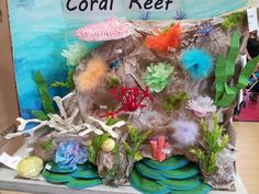 Dylan & # s coral reef project. He spent 3 hours just on the table . Sea Crafts, Fish Crafts, Ocean Projects, Art Projects, Coral Reef Craft, Ocean Diorama, Ocean Animal Crafts, Underwater Party, Mermaid Coloring