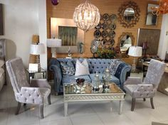 Plaza, Color Azul, Throw Pillows, Bed, Home, Centerpieces, Traditional Styles, Candelabra, Houses