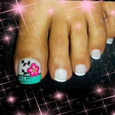 180 Me gusta, 0 comentarios - uñas Mágicas (@magicas.nails) en Instagram Pedicure Designs, Pedicure Nail Art, Toe Nail Art, Toe Nails, Nail Art Designs, Painted Toes, Beautiful Nail Art, Nail File, Beauty Hacks