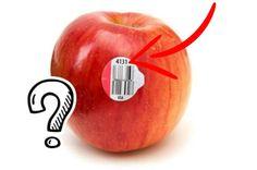 Achtet ihr beim Einkaufen auf die kleinen Aufkleber auf dem Obst? Wahrscheinlich nicht, weil die meisten denken, sie wären nur da, damit die Marke sichtbar ist oder der Preis gescannt werden kann. Wir zeigen euch, was ihr über die Aufkleber wissen müsst.