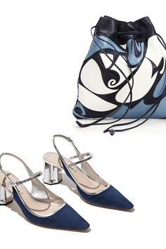 Hit your stride with new shoes & bags from Miu Miu. Fab Shoes, High Shoes, Dream Shoes, Blue Shoes, Shoe Boots, Shoe Bag, Shoe Closet, Strappy Sandals, Low Heels