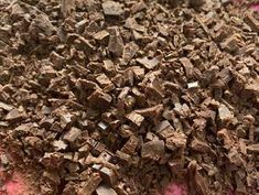 Csokis párna | Zombor-Tóth Szimonetta receptje - Cookpad receptek Candy, Chocolate, Food, Essen, Chocolates, Meals, Sweets, Candy Bars, Brown