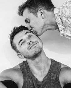 I'm Denis, gay and from Germany. And I'm here to spend some time with you guys :) If you want any of the pics removed just. Lgbt Couples, Cute Gay Couples, Couples In Love, Gay Mignon, Gay Tumblr, Bisous Gif, Gay Romance, Men Kissing, Lgbt Love
