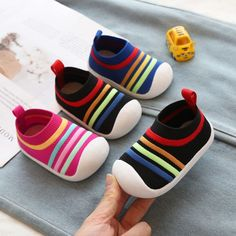 Spring Girls Boys Toddler Shoes Comfortable Infant Casual Mesh Shoes Non-slip Knitting Soft Bottom Baby First Walkers Shoes