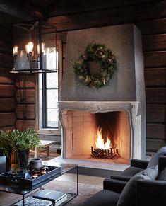 〚 Modern chalet with moody dark interiors in Norway 〛 ◾ Photos ◾Ideas◾ Design Cabin Interiors, Dark Interiors, Beautiful Interiors, Living Room Modern, My Living Room, Hm Home, Herd, Scandinavian Home, Interior Exterior