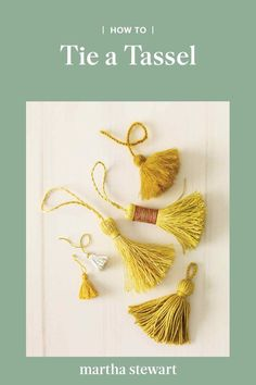 Holiday season is getting closer, which means it& time to brush up on gift wrapping techniques! Click ahead to learn how to tie the perfect tassel. Easy Crafts To Sell, Fun Crafts To Do, Easy Fall Crafts, Crafts For Teens, Arts And Crafts, Bead Crafts, Diy Crafts, Diy Tassel, Tassels