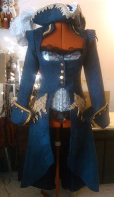 Simplicity 2172 front altered - Pirate fitted corset jacket ensemble