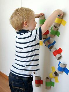 Make a colorful ball track yourself - Basteln - Baby Diy Montessori Activities, Indoor Activities, Infant Activities, Activities For Kids, Baby Play, Baby Kids, Diy For Kids, Crafts For Kids, Pvc Pipe Projects