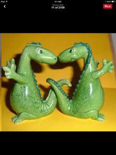Dinosaur S & P Shakers