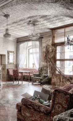Abandoned Mansions, Abandoned Buildings, Abandoned Places, Creepy Houses, All Falls Down, Abandoned Hospital, Victorian Houses, Old Houses, Decay