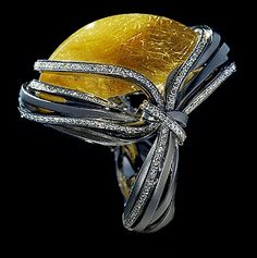Mousson Atelier, collection Wind, ring, White gold 750, Rutile quartz 23,81 ct., Diamonds