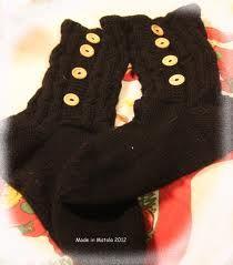 Tälläset tossunappi villasukat <3 kaikki muut väri käy, paitsi musta, koska meillä on vaalea kissa, joten ne muuttais heti värinsä :D