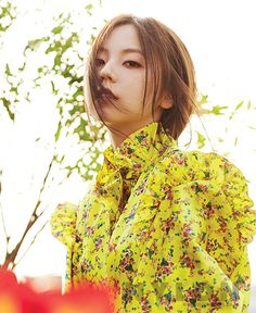 Sohee looks as chic as ever in photos recently released by 'Nylon' magazine!Pictures show her in a bright, floral-patterned top or rocking quilted den… Kpop Girl Groups, Kpop Girls, Nylons, Sohee Wonder Girl, Wonder Girls Members, Magazine Pictures, Korean Actresses, Celebs, Celebrities