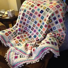 Loving this finished blanket!  Yay!!!