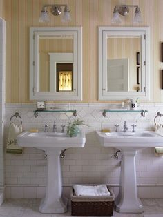 Tile detail and double pedestals.